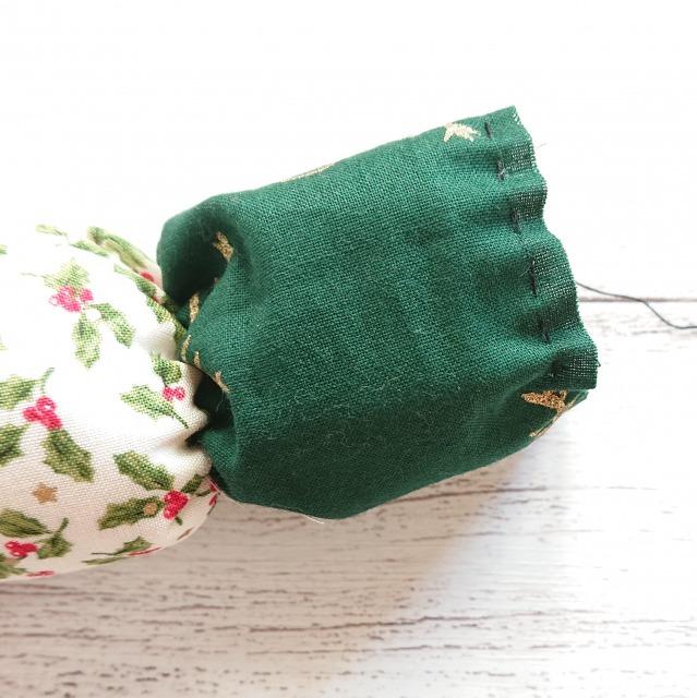 最後のポコの上部もぐし縫い